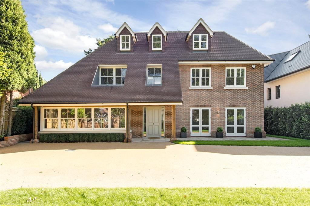 5 Bedrooms Detached House for sale in Green Lane, Oxhey, Watford, Hertfordshire, WD19