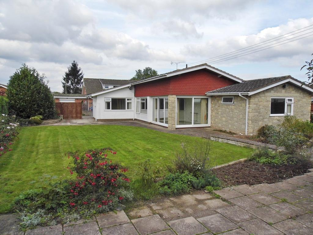 4 Bedrooms Detached Bungalow for sale in Court Close, Lugwardine, Hereford, HR1