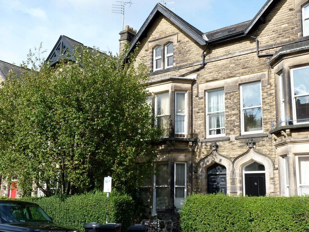 Semi Detached House for sale in East Parade, Harrogate