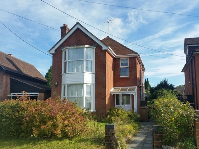 3 Bedrooms Detached House for rent in BARLOWS LANE, ANDOVER SP10