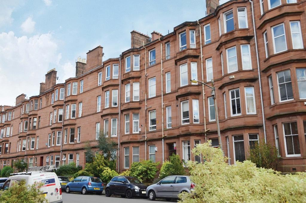 2 Bedrooms Flat for sale in Waverley Street, Flat 3/3, Shawlands, Glasgow, G41 2EA