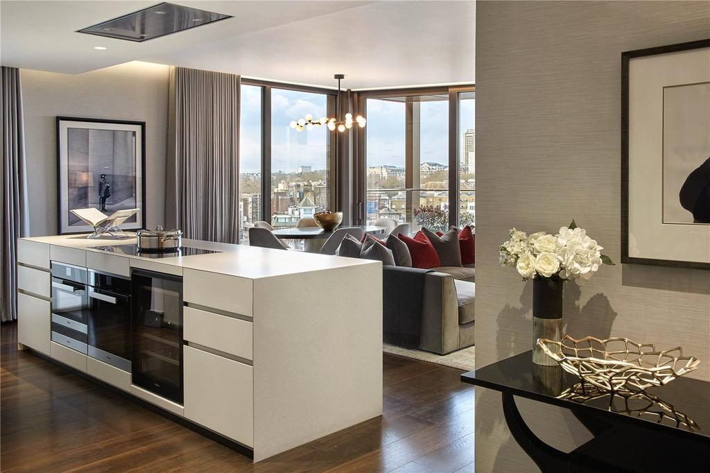 3 Bedrooms Flat for sale in Kings Gate, London