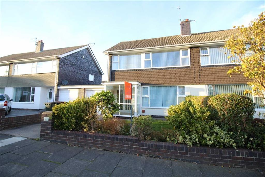 3 Bedrooms Semi Detached House for sale in Langdon Close, North Shields