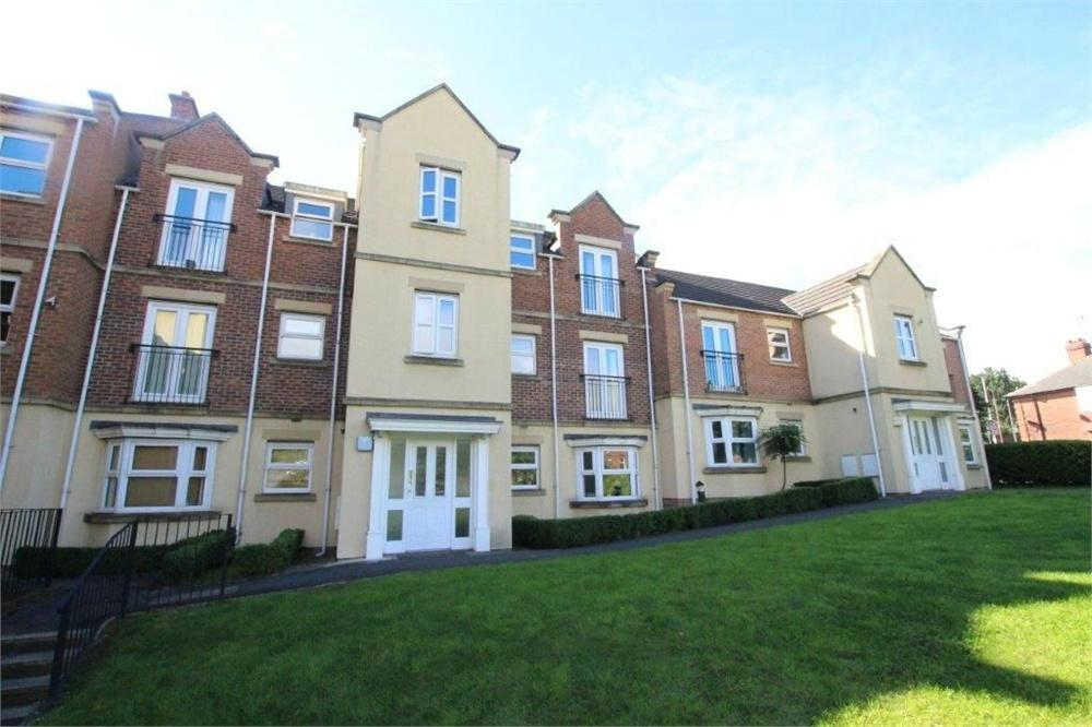 2 Bedrooms Flat for sale in Whitehall Green, LEEDS, West Yorkshire