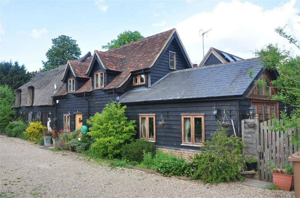 4 Bedrooms Barn Conversion Character Property for sale in The Little Thatched Barn, East End, Furneux Pelham