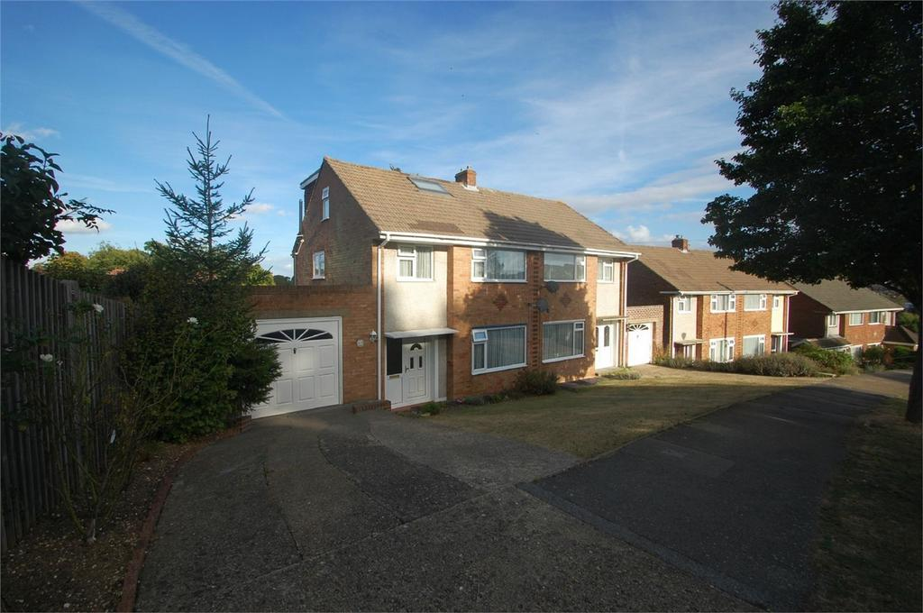 4 Bedrooms Semi Detached House for sale in Sussex Drive, Walderslade, Kent