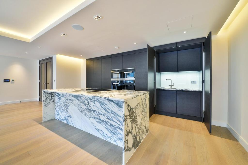 3 Bedrooms Flat for sale in Park Street, Fulham, SW6