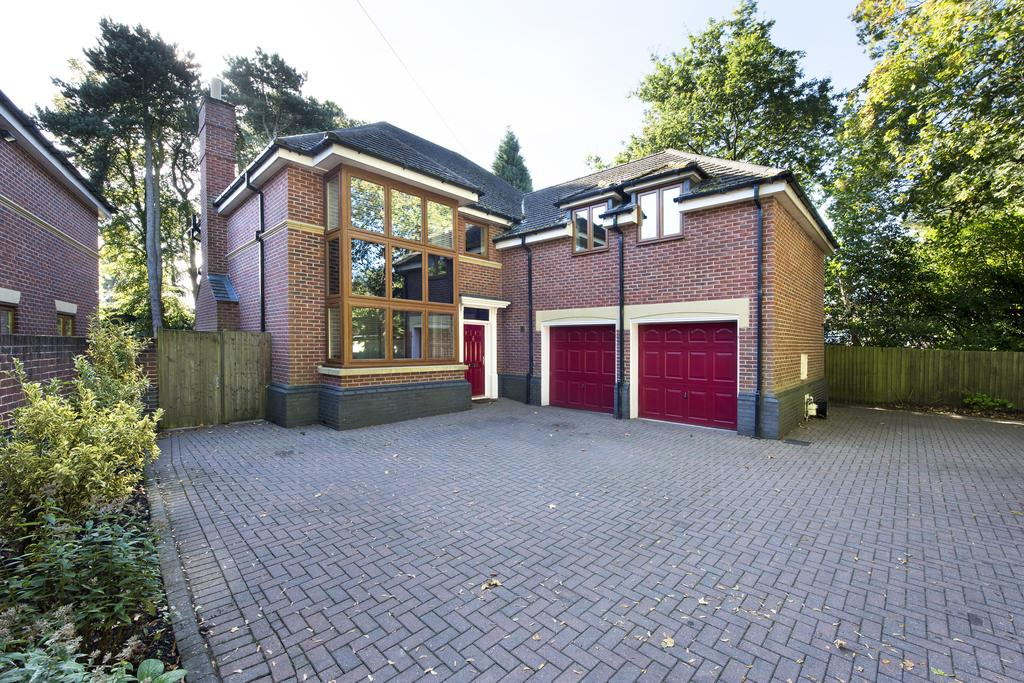5 Bedrooms Detached House for sale in Rosemary Hill Road