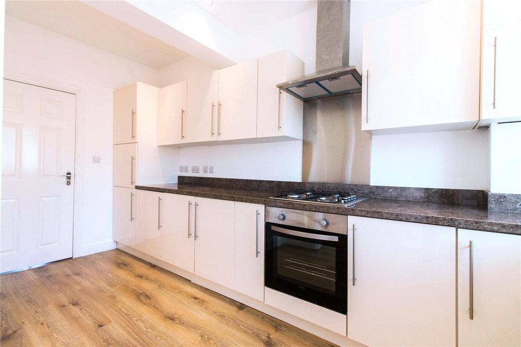 5 Bedrooms Terraced House for sale in St. Ursula Road, Southall, UB1