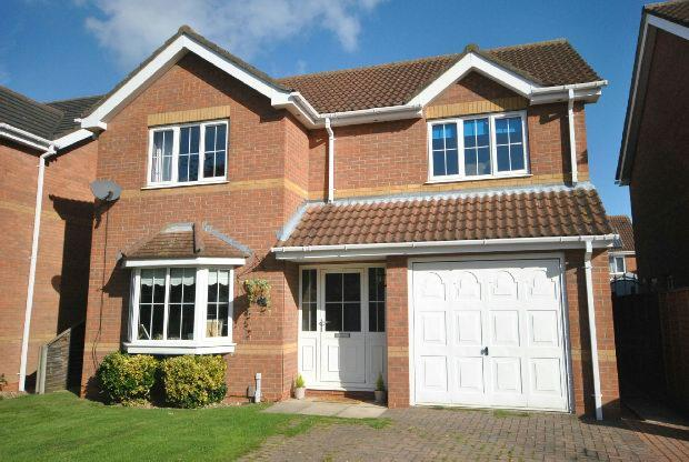 4 Bedrooms Detached House for sale in Mayfield Close, GRIMSBY