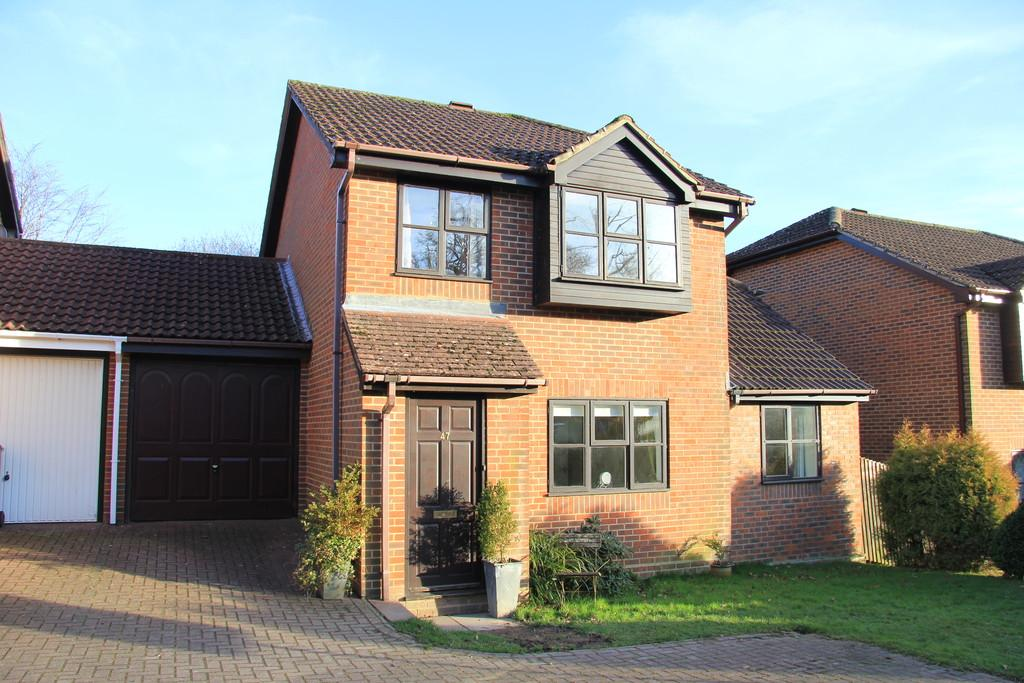 4 Bedrooms Link Detached House for sale in Lime Way, Heathfield