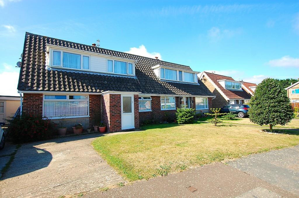 4 Bedrooms Semi Detached Bungalow for sale in Staden Park, Trimingham