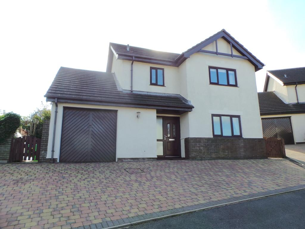3 Bedrooms Detached House for sale in Levens Close, Dalton-in-Furness