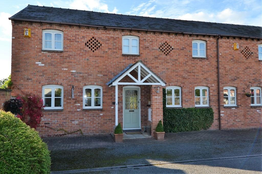 4 Bedrooms Barn Conversion Character Property for sale in Shocklach Road, Malpas