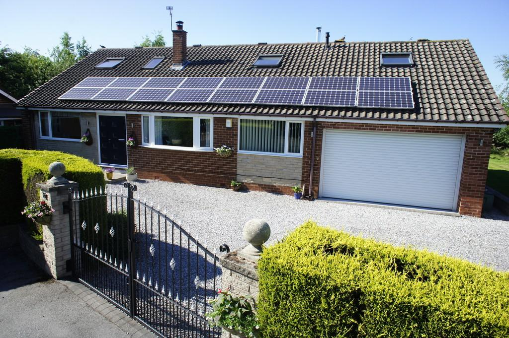 5 Bedrooms Detached Bungalow for sale in Osborne Drive, Todwick