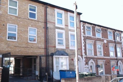 2 bedroom apartment to rent - Melville Road, Maidstone