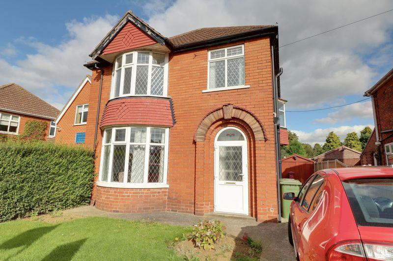 3 Bedrooms Detached House for sale in Lloyds Avenue, Scunthorpe