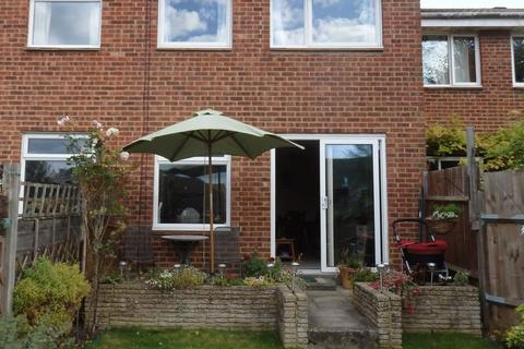 3 bedroom terraced house to rent - Headley Drive, Epsom