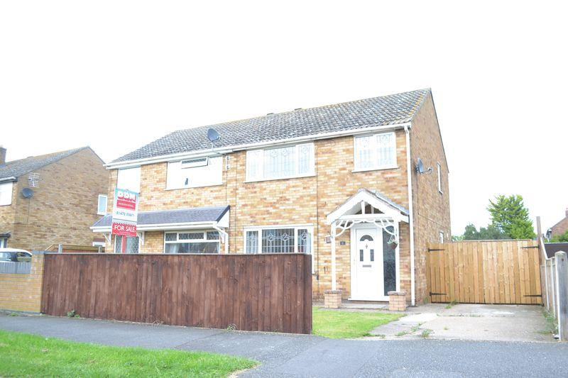 3 Bedrooms Semi Detached House for sale in Chestnut Avenue, Immingham