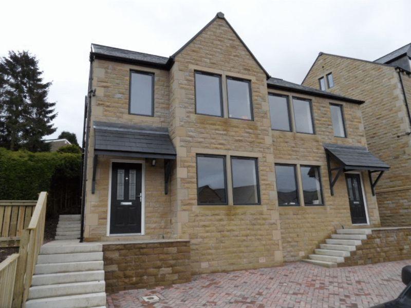 3 Bedrooms Semi Detached House for sale in Winterbutlee Grove, Todmorden