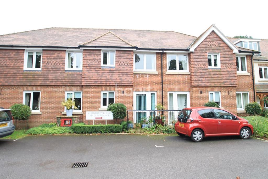 1 Bedroom Flat for sale in Headley Road. Grayshott,