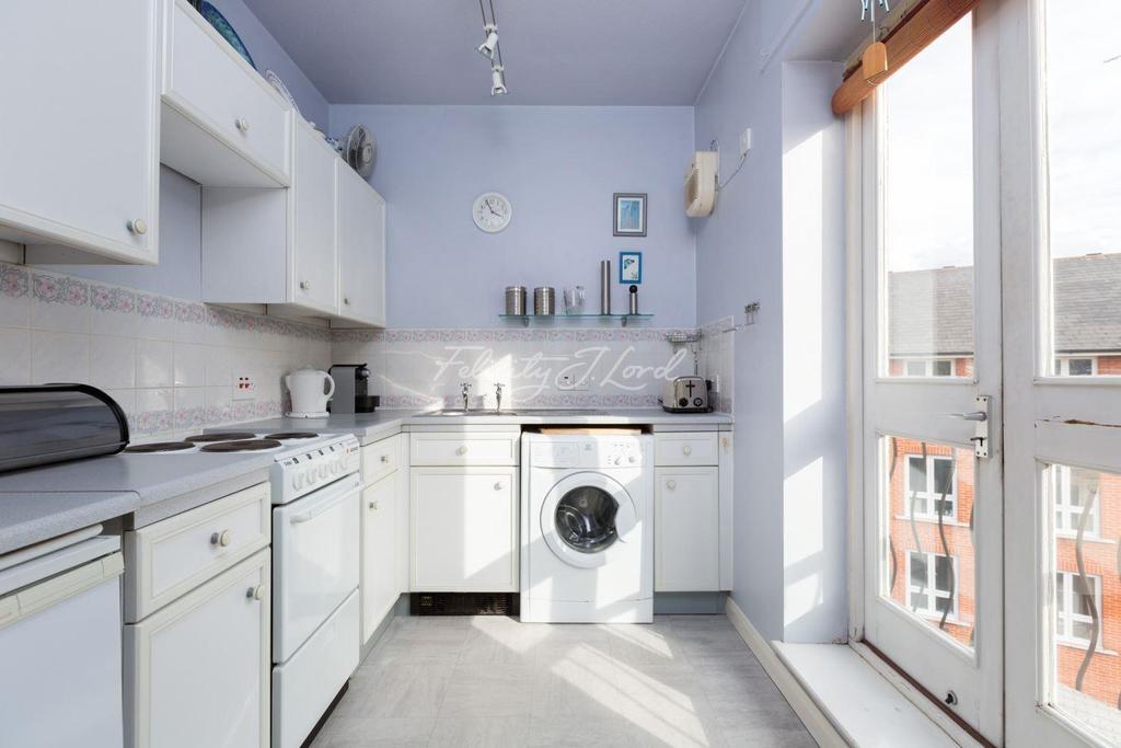 1 Bedroom Flat for sale in Garter Way, SE16