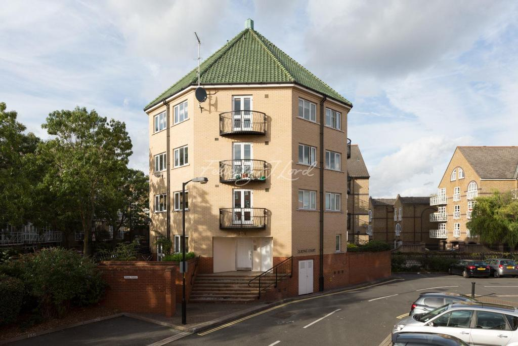 1 Bedroom Flat for sale in Garter Way, SE16