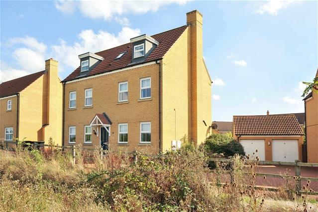 5 Bedrooms Detached House for sale in Langlands Road, Bedford
