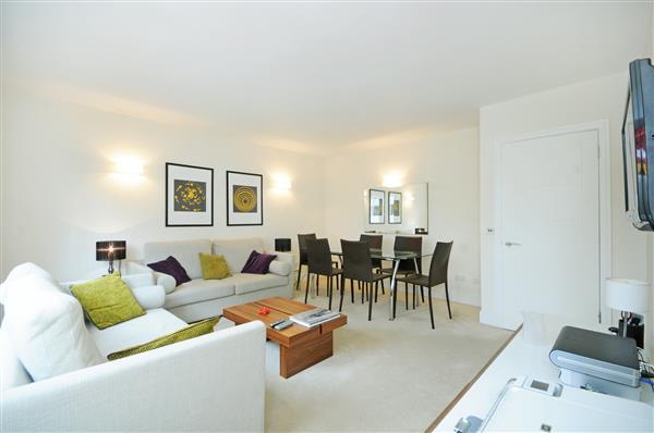 2 Bedrooms Flat for sale in DEVONPORT, HYDE PARK, W2