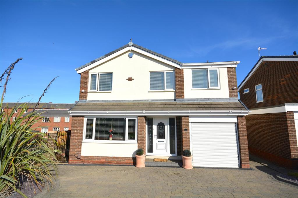 4 Bedrooms Detached House for sale in Trevarren Drive, Ryhope, Sunderland