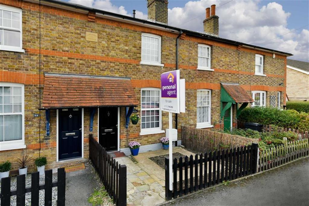 2 Bedrooms Terraced House for sale in Albert Road, Epsom, Surrey