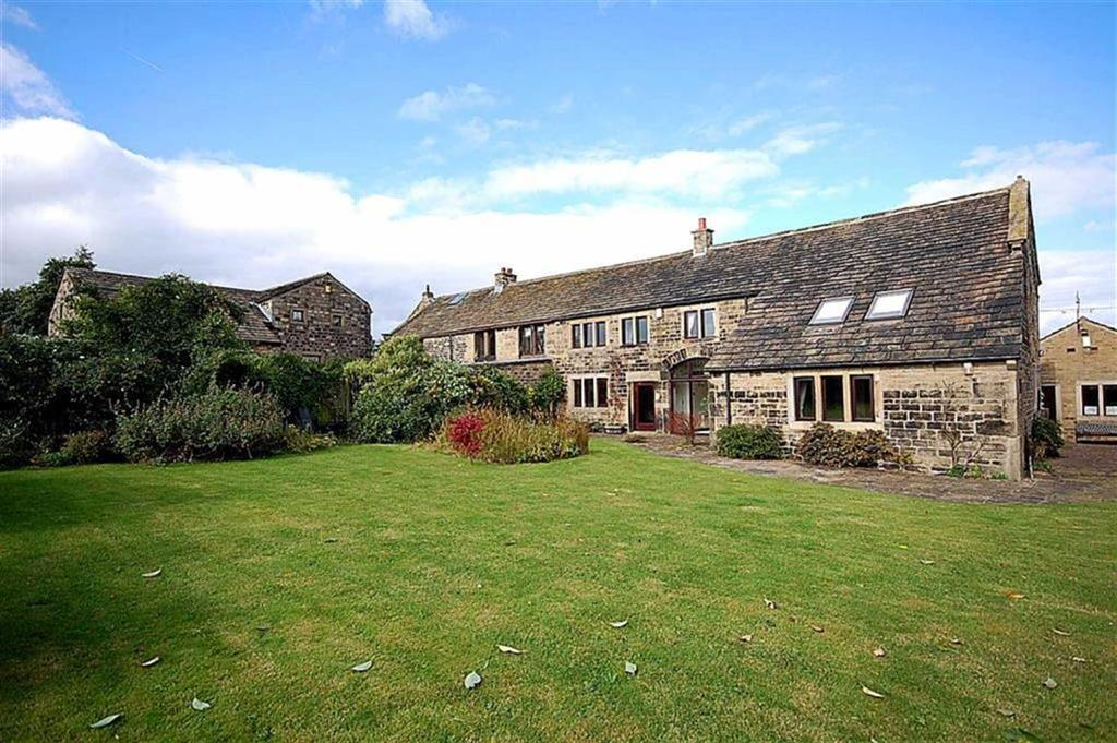 4 Bedrooms Farm House Character Property for sale in Manor Road, Farnley Tyas, Huddersfield, HD4
