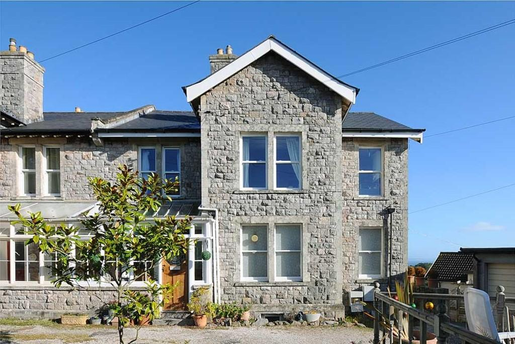 2 Bedrooms Flat for sale in Higher Warberry Road, Torquay