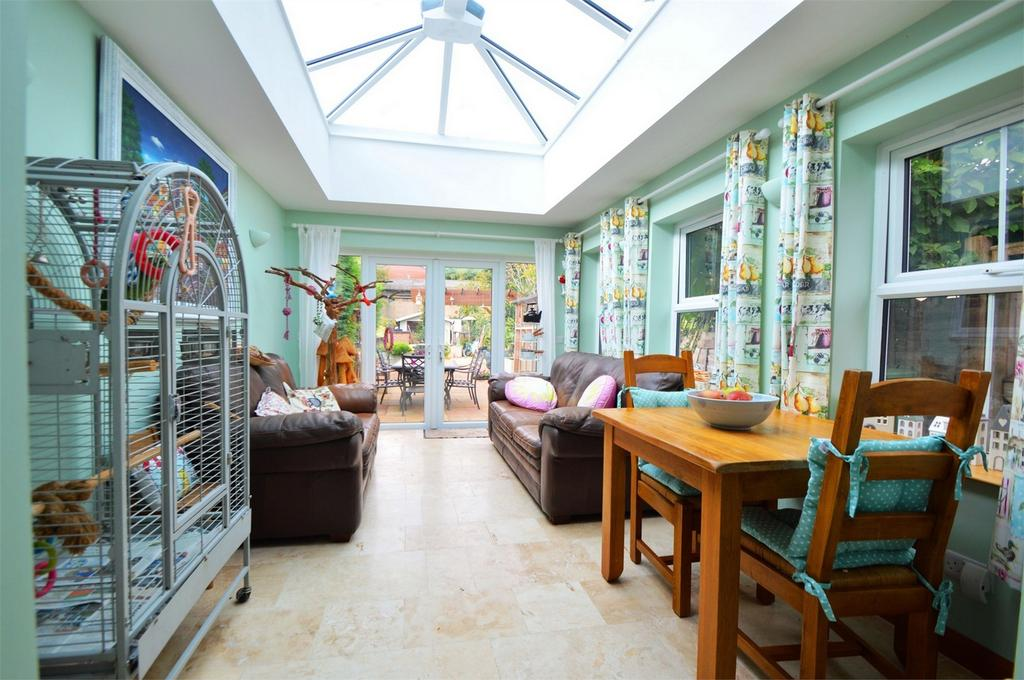 4 Bedrooms Town House for sale in Charles Street, PETERSFIELD, Hampshire