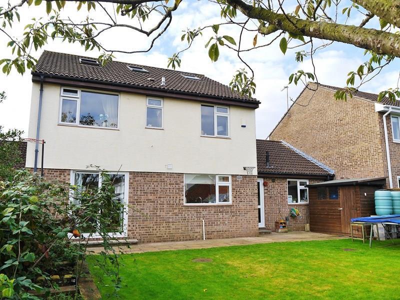 5 Bedrooms Link Detached House for sale in Mells Close, Keynsham, Bristol