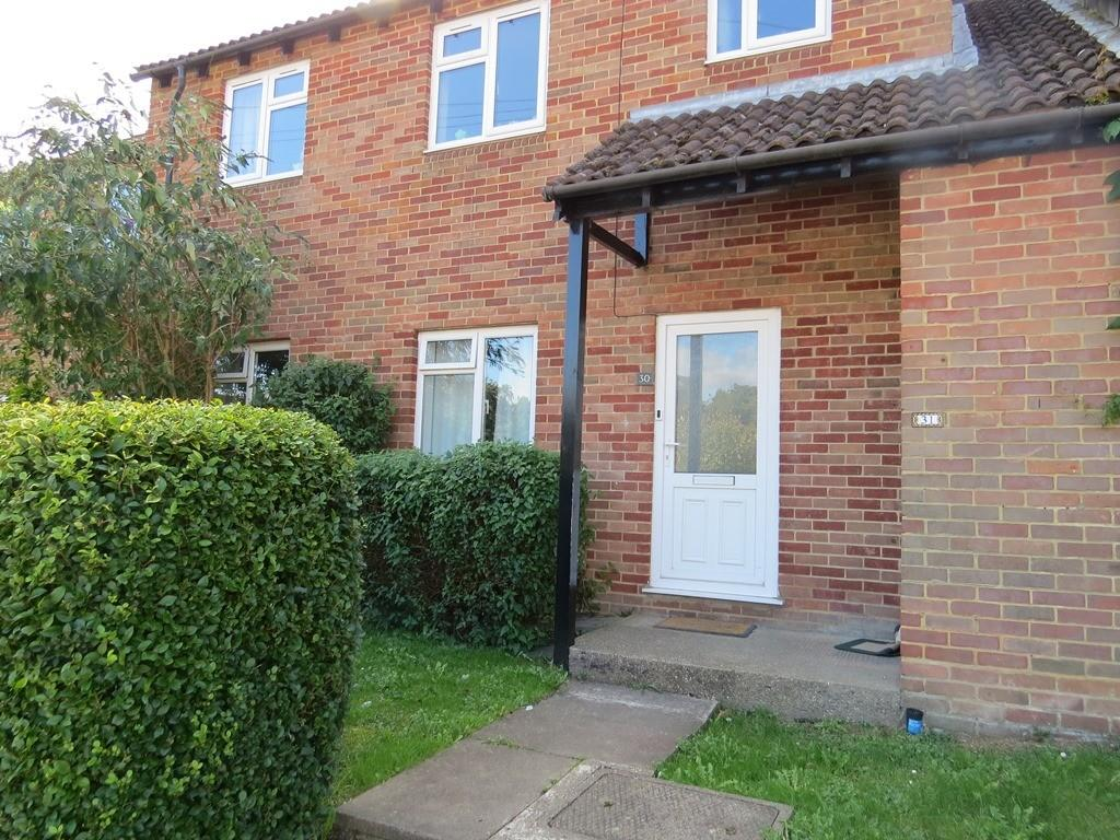 2 Bedrooms Maisonette Flat for sale in James Close, Marlow