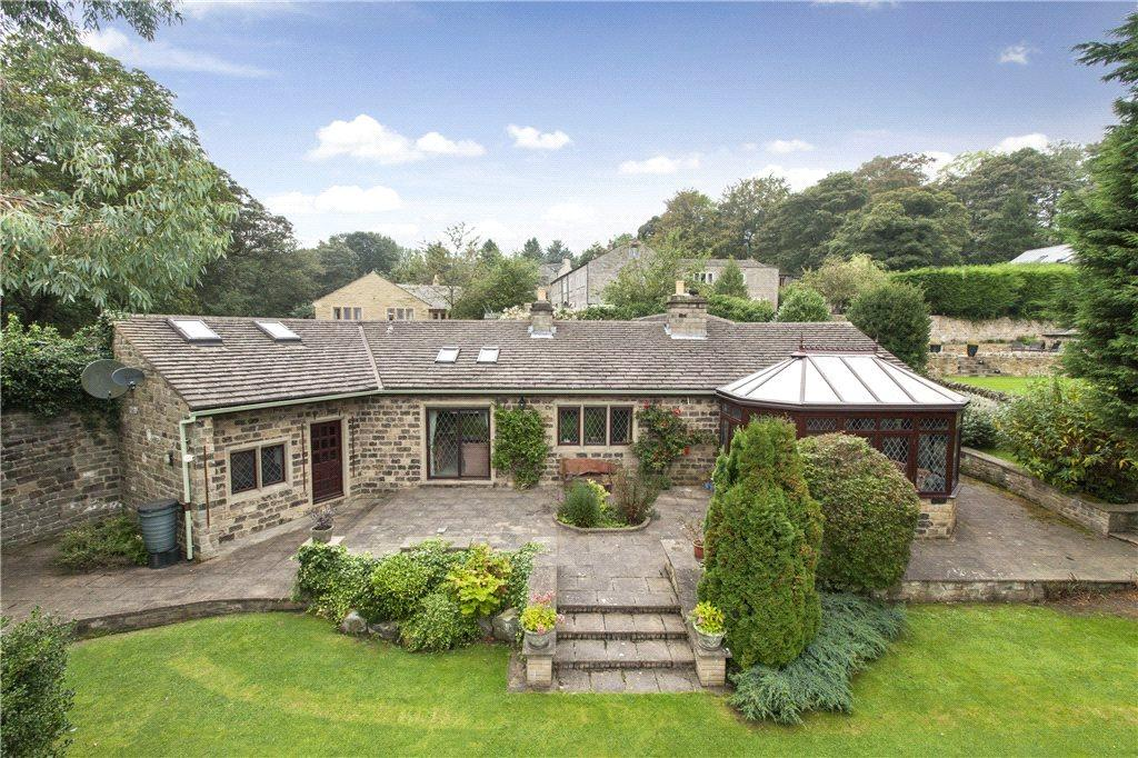 4 Bedrooms Detached Bungalow for sale in Greenhill Lane, Bingley, West Yorkshire