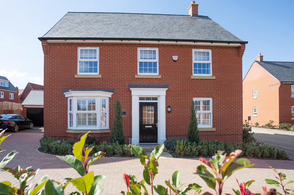4 Bedrooms Detached House for sale in Threads Lane, Buckingham