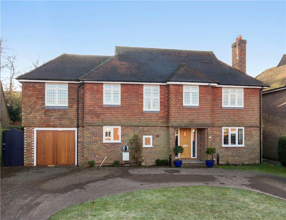 6 Bedrooms Detached House for sale in Gateways, Guildford, Surrey, GU1