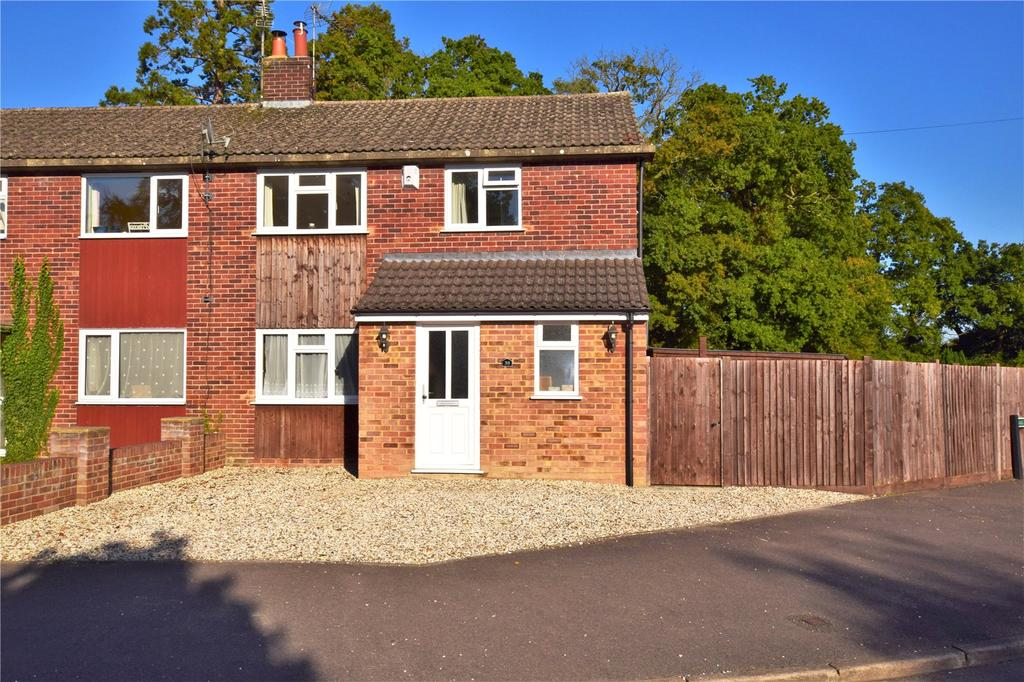 3 Bedrooms Semi Detached House for sale in Stephens Road, Mortimer, Reading, Berkshire, RG7