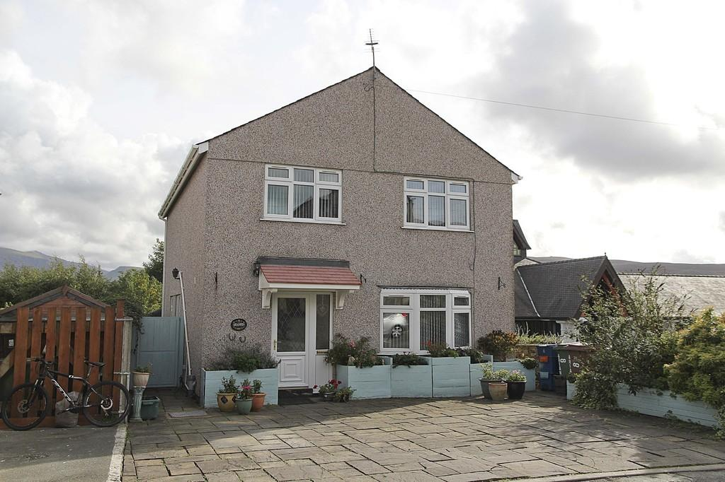 4 Bedrooms Detached House for sale in Arianwen, Penisarwaun, North Wales