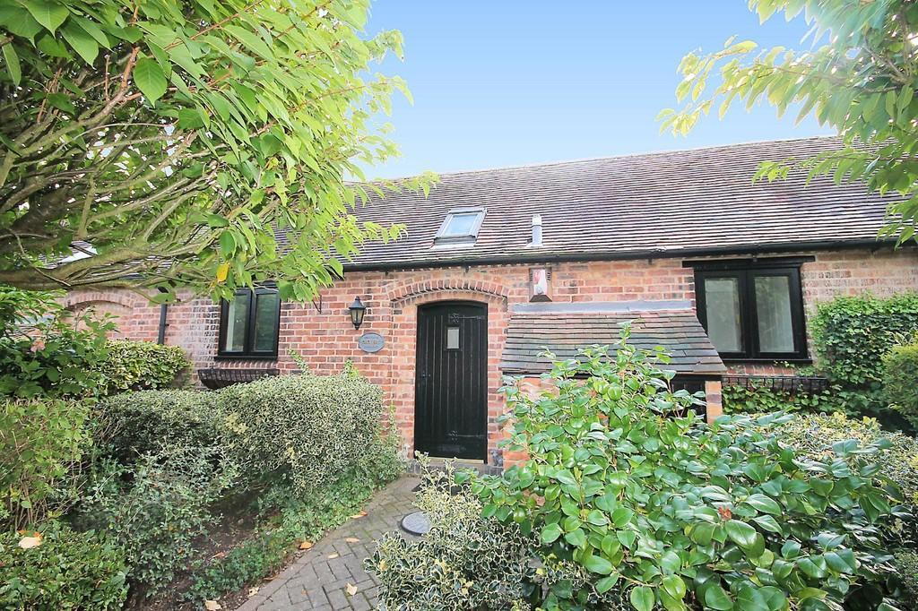 2 Bedrooms Barn Conversion Character Property for sale in Drovers, Manor Farm, Haunton, B79 9HN