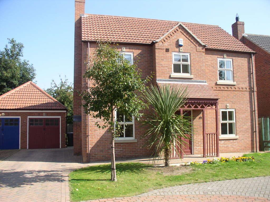 4 Bedrooms Detached House for sale in Station Court, Hatfield, DN7 6TR