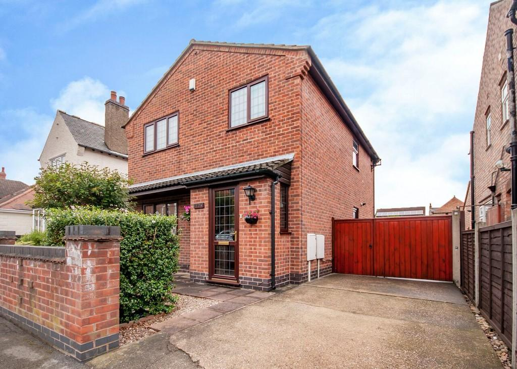 3 Bedrooms Detached House for sale in Curzon Street, Long Eaton