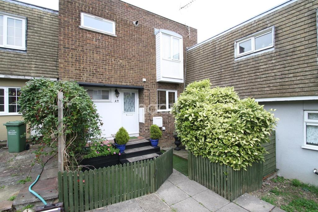 3 Bedrooms Terraced House for sale in Extended property in popular location
