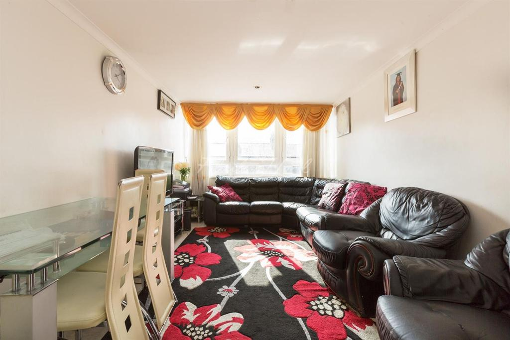 2 Bedrooms Flat for sale in Barbrook House, Chatham Place, E9