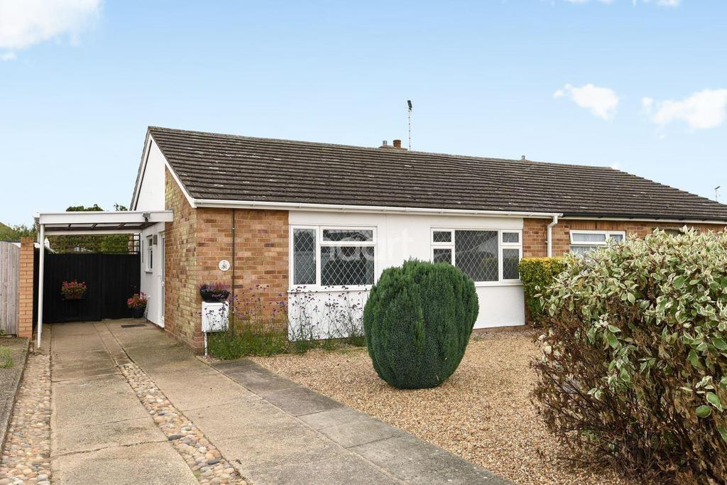 2 Bedrooms Bungalow for sale in Dover Road, Brightlingsea