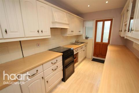 3 bedroom terraced house to rent - Overton Drive, Chadwell Heath, RM6