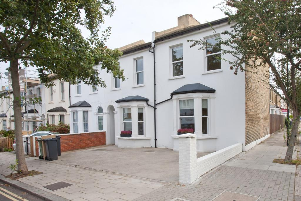5 Bedrooms End Of Terrace House for sale in Cambria Road, London, SE5