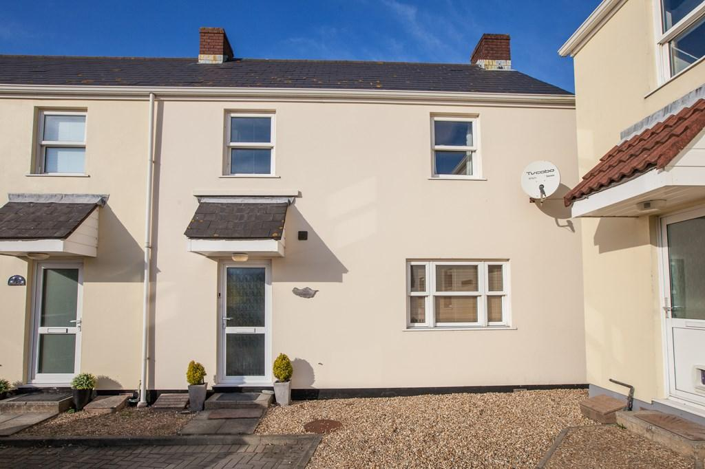3 Bedrooms Semi Detached House for sale in 5 Marais Rise, St. Sampson, Guernsey